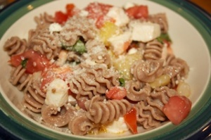 Monday dinner: Emmer pasta with tomato vinaigrette by Alice Waters via Serious Eats