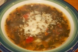Meatless Monday/Eat The Freezer: Spinach, tomato and orzo soup