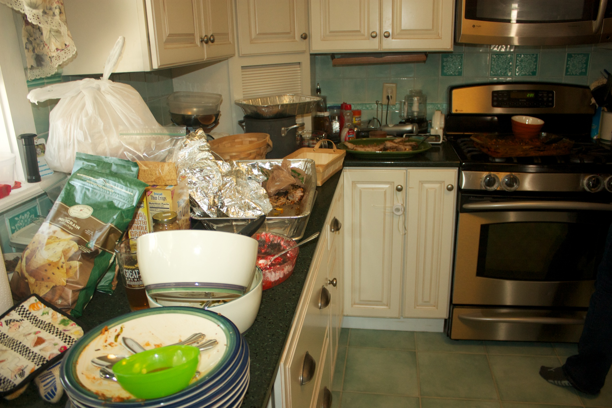 Christmas 2012: Who's going to help me clean up?