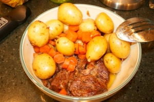 Sunday dinner: Garlic pot roast