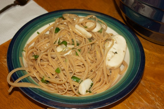 Meatless Monday: Linguine with lemon, garlic and thyme mushrooms