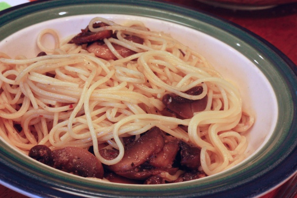 Meatless Monday: Spaghettini with Mushrooms, Garlic, and Oil